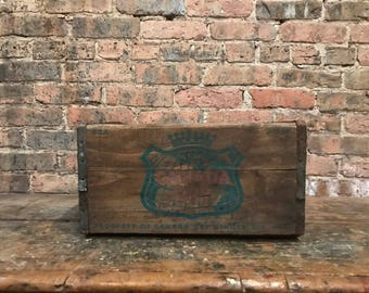 Vintage Canada Dry Ginger Ale Soda Pop Crate Rustic Decor