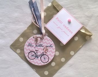 Pocket notebook with round bicycle charm + gift bag