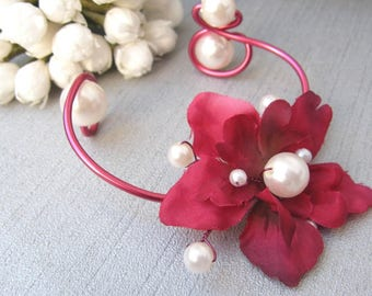 Pink Hibiscus and white collection 'The scrolls' bracelet