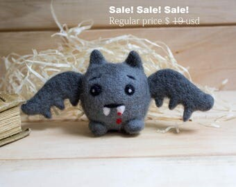 SALE SALE Halloween bat. Needle Felted Badge. Felt bat. Miniature bat needle felted animal ornament : gray, black wool bat