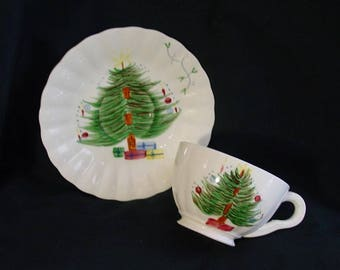 Blue Ridge CHRISTMAS TREE with MISTLETOE Cup and Saucer Set Hand Painted Colonial Dinnerware Erwin Tennessee Pottery (B02) 1057