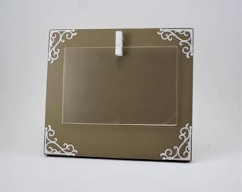 custom picture frame, small picture frame, picture frame with clips, brown picture frame, photo holder, picture frame