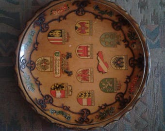 Wooden wall hanging plate