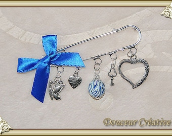 Blue pin light royal blue silver heart 109005