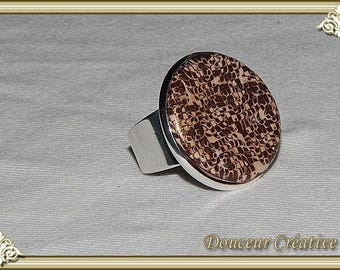 Ring brown beige gold small square 102024