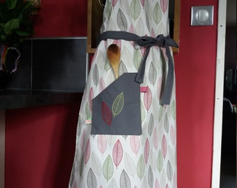 Apron woman leaves patterns