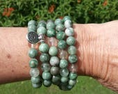 108 Mala Beads with Green Jade Flourite Lotus Flower Charm Mind Clearing Heart Chakra Opening Meditation Jewellery Yoga Fashion Boho