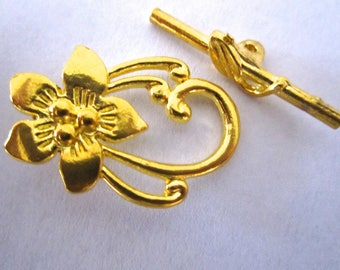Gold Flower toggle clasp