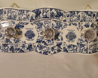 Blue flower mosaic plaque with crystal knobs