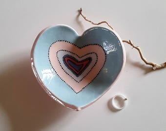 Heart ceramic jewelry rests / / ceramic Ring holder / / MOM / / heart MOM / / based Alliance heart / / heart dish