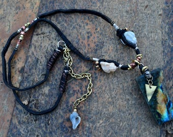 "Tribal necklace / rustic ""Ernest"" with a Labradorite"
