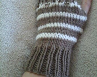 Brown and ecru lace woolen mittens