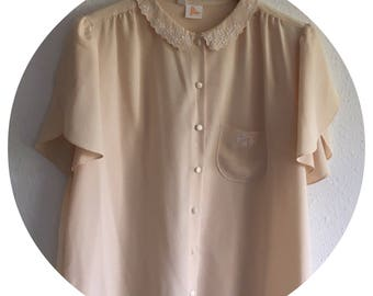 Vintage 70's Pale Yellow Short Sleeved Blouse with Embroidered Floral Detail Size 14