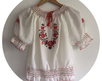 Vintage 70's Hand Embroidered Bohemian Short Sleeved Top Size 10