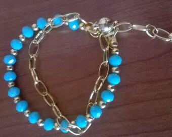 Bracelet for every day. Sweet bracelet. Blue glass beads. Chain gold.
