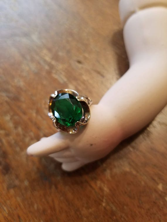 10k Gold Ring Green Stone
