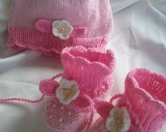 Hat with booties sweet Strawberry