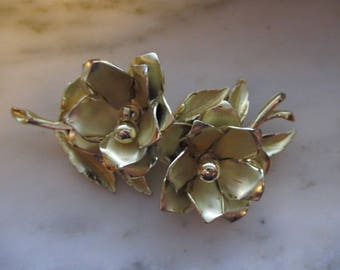 Vintage Coro Gold Tone Flower Pin or Brooch