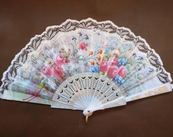 Vintage Fan with Floral theme
