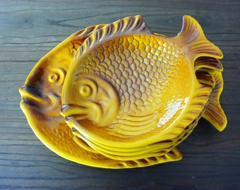 Fish service - dish and plates - Vintage - Fish - Made in France - kitsch - pop - slip service -