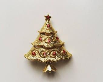 Vintage Christmas tree red rhinestones gold tone brooch