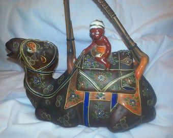 VINTAGE:SATSUMA Camel Tea Pot