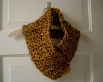 Gold and gray crochet cowl