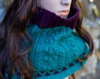 Snood Scarf Pure Wool Hand Knitted Neck-warmer/ Infinity Scarf/ Circle Scarf / Ready to Ship