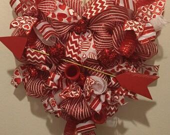 Valentine's wreath, heart wreath, deco mesh wresth, door hanger, red, white, arrow