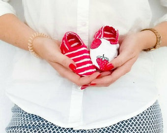 """babies & toddlers """"strawberry"""" - sweet baby shoes from organic cotton jersey from elvelyckan design"""
