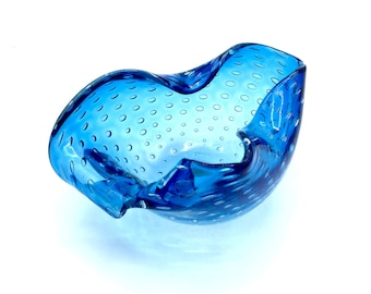 Murano Glass Bowl or Ashtray by Archimede Seguso in Biomorphic Shape of Blue Glass Bullicante aka 'Controlled Bubbles' '50s ORIGINAL STICKER