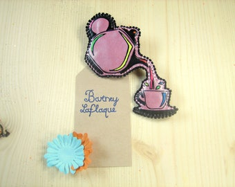 "Brooch ""tea time"" faux leather"