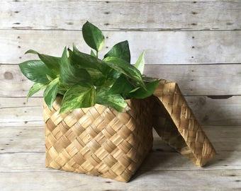 Vintage Woven Palm Leaf Basket Box with Lid - Square Wicker Planter Storage Box - Boho Modern Decor