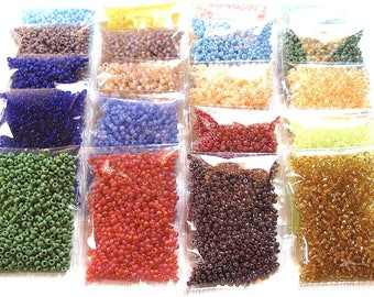Lot 2.6 mm seed beads