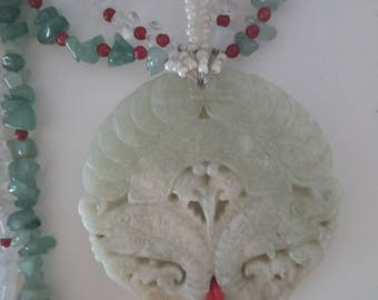 Feng shui, Medallion necklace two fish, jades and crystals