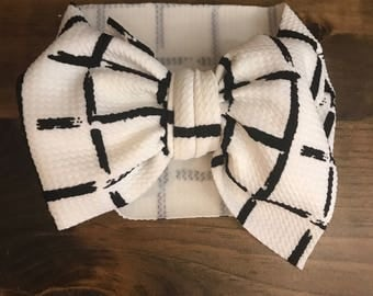 White with black lines stretch wrap