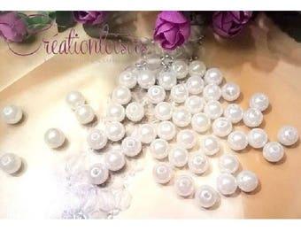 30 beautiful pearly white acrylic beads, 8 mm