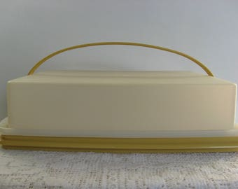 Vintage Tupperware,Cake Holder,Cupcake Holder,Cake Carrier,Harvest Gold,With Handle,Cake Taker,Rectangle Cake Holder