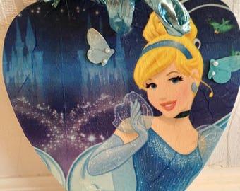 Cinderella hanging heart, disney, disney princess, wall decor, hearts, home decor, princess, girls room, gifts for girls, disney home decor