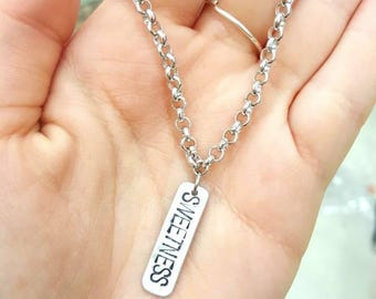 Gift IDEA bracelet with engraved pendant
