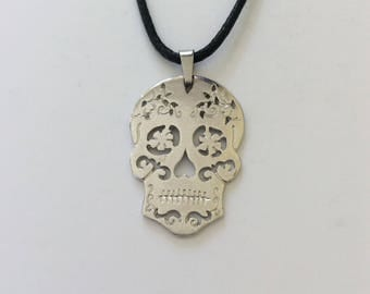 Halloween skull necklace / skull jewellery / Halloween jewellery / Halloween gift