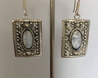 Earrings in silver and Moonstone