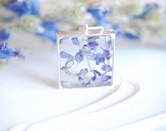 Necklace / / dried flowers / / unique resin necklace / / handmade inclusion / / necklace / /.