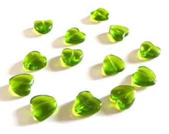 10 Perles coeur en verre vert transparent