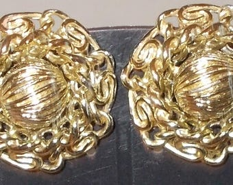 Vintage Clip on Earrings...Gold tone Circles with Sculptured Wire Design 3.75 inch circle