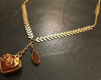 Red agate fruit and gold Chevron necklace