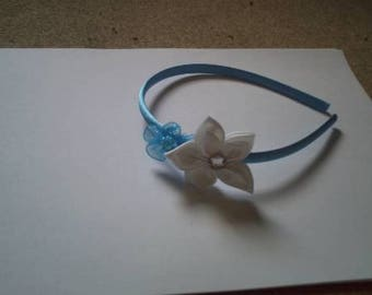 pair of blue and white flowers headband