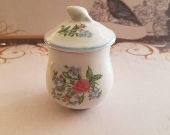 Vintage Elizabeth Arden Porcelain jar