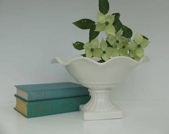 Vintage Pedestal Dish, Compote Dish, Sideboard Dish, Fruit Bowl, Centerpiece