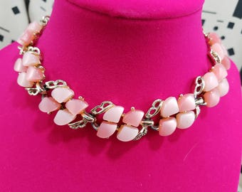 Lovely Shades of Pink Design Thermoset Necklace